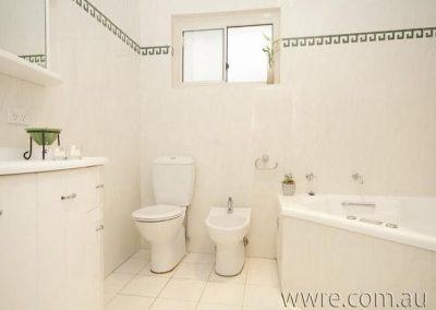 Before_Bathroom
